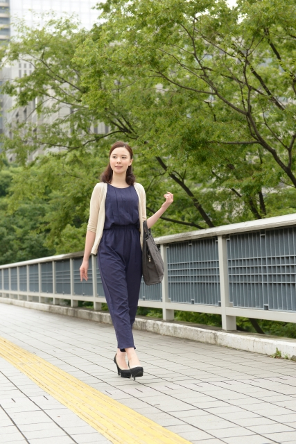 日本人女性のファッションイメージ