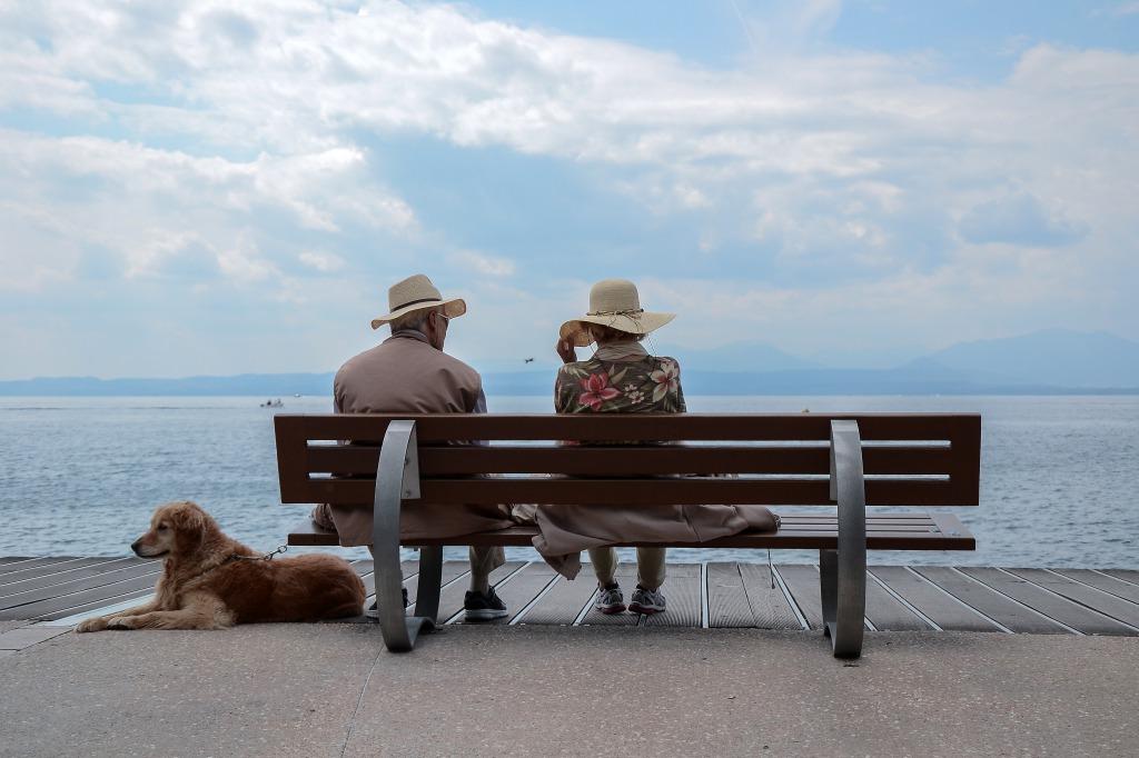 フランスでは恋愛に年齢は関係なし!40代50代60代でも結婚している